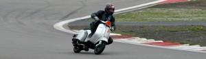 Kurvendrift beim Vesparennen am Nürburgring